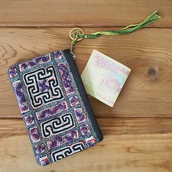 ベトナム 黒モン族 古布 刺繍 ポーチ(タッセル付き 長方形 グレイ)【画像5】