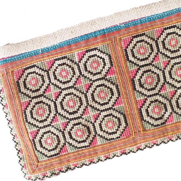 モン族 古布 刺繍 ポーチ(タッセル付き B 10×18)民族 刺繍 / ベトナム直輸入【画像3】
