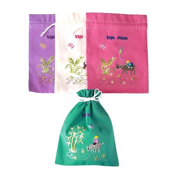 ベトナム 刺繍 巾着 小(水牛と子供)