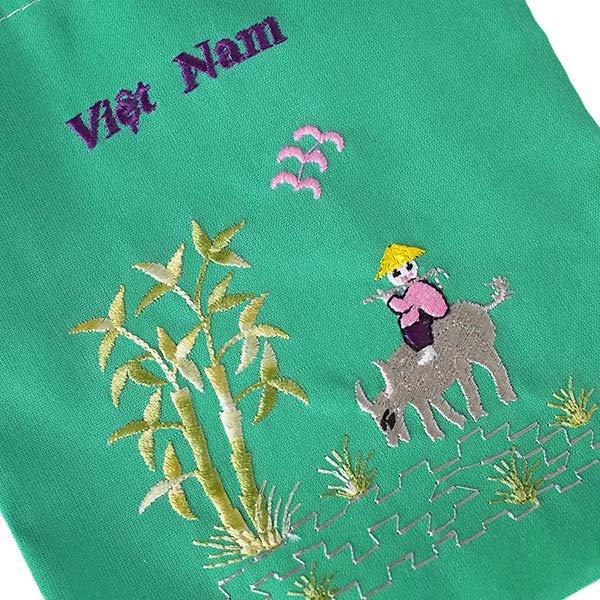 ベトナム 刺繍 巾着 小(水牛と子供)【画像4】