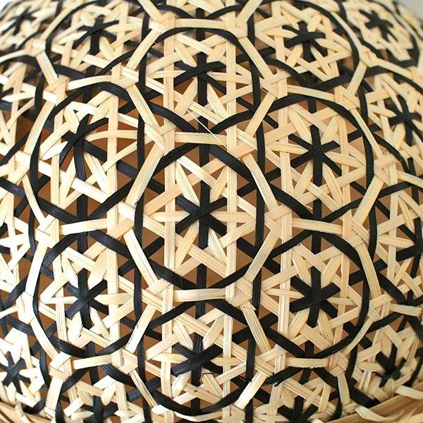 ベトナム 竹 フードカバー (花編み ブラック ざる付き 直径約29cm)【画像4】
