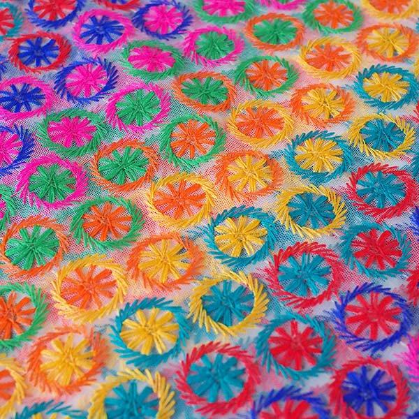 インド メッシュ生地(模様 カラフル刺繍 / 幅約108cm 50cm 切り売り )【画像2】