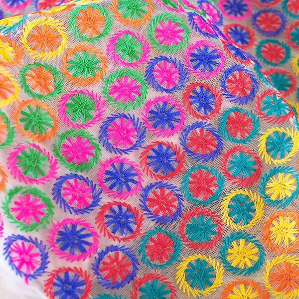 インド メッシュ生地(模様 カラフル刺繍 / 幅約108cm 50cm 切り売り )【画像5】