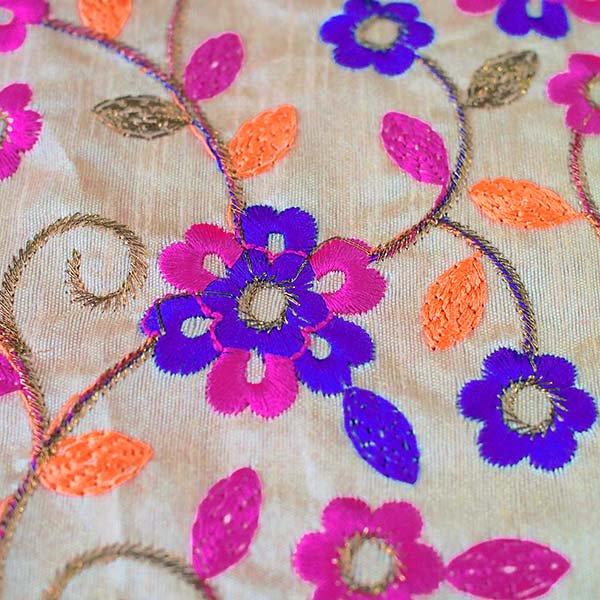 インド ラジャスタンの刺繍布 ゴールド(幅約107cm / 1m切り売り )【画像3】