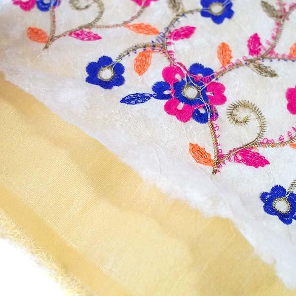 インド ラジャスタンの刺繍布 ゴールド(幅約107cm / 1m切り売り )【画像5】