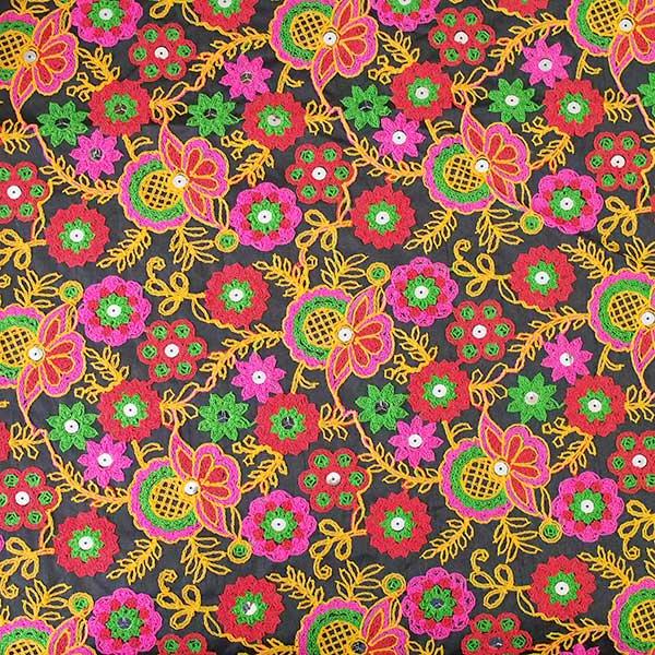 インド ラジャスタンの刺繍布 ブラック(幅約109cm / 1m切り売り )【画像8】