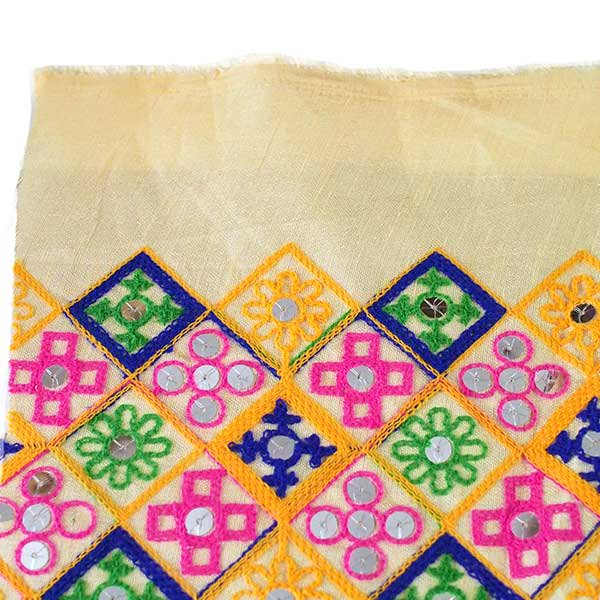 インド ラジャスタンの刺繍布 ゴールド スパンコール(幅約108cm / 1m切り売り)【画像7】