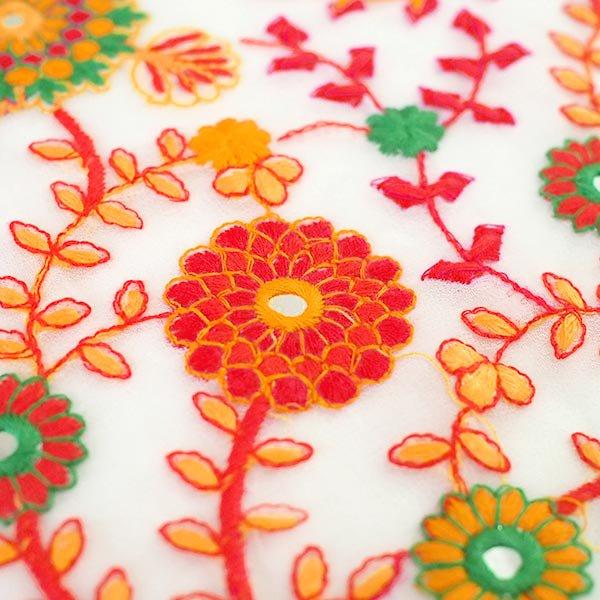インド ラジャスタンの刺繍布  ミラーワーク 花(幅約109cm / 1m切り売り)【画像4】