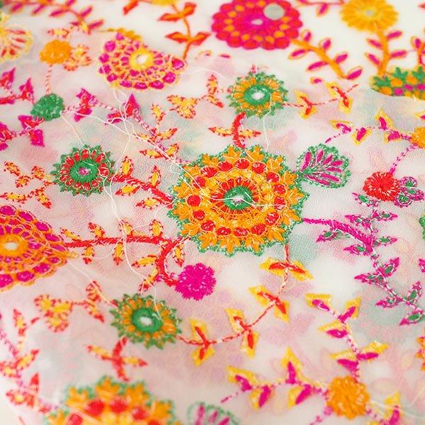 インド ラジャスタンの刺繍布  ミラーワーク 花(幅約109cm / 1m切り売り)【画像6】