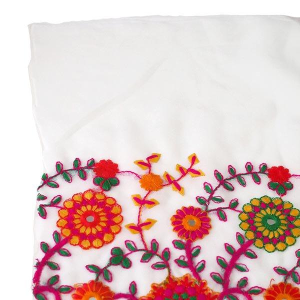 インド ラジャスタンの刺繍布  ミラーワーク 花(幅約109cm / 1m切り売り)【画像7】
