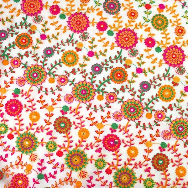 インド ラジャスタンの刺繍布  ミラーワーク 花(幅約109cm / 1m切り売り)【画像8】