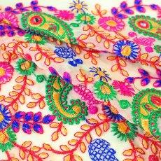 インド ラジャスタンの刺繍布  ミラーワーク ペイズリー (幅約105cm / 1m切り売り)