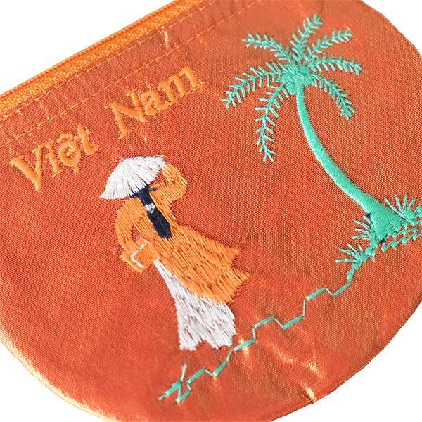 ベトナム  アオザイ 刺繍 ポーチ(ヤシの木 B)【画像4】