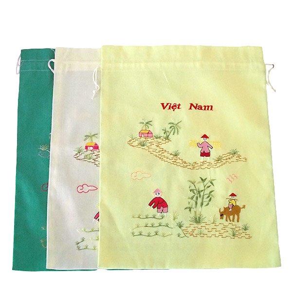 ベトナム 刺繍 巾着(水牛と子供 大サイズ 37×28)
