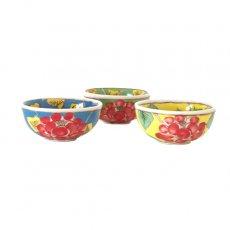 ベトナム バッチャン焼き 手描き  花 カラフル 小鉢 3色 (直径 約8.5cm)