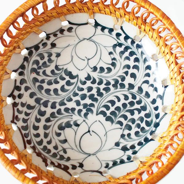 ベトナム バッチャン焼き ラタン編み 丸皿 蓮 ハス (直径約14cm)【画像3】