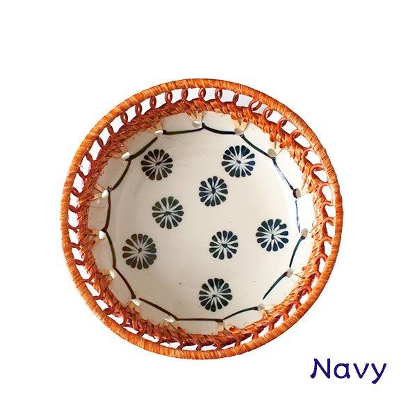 ベトナム バッチャン焼き ラタン編み 丸皿 菊の花 2色(直径約14cm)【画像4】