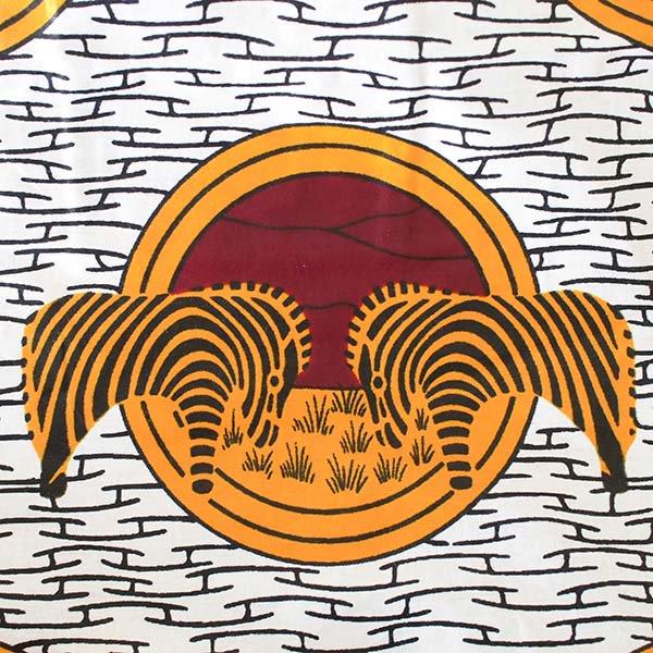 【HARMONY FOR PEACE プロジェクト】マリ 足踏みミシンで仕立てた パーニュ 巾着 エコバッグ(シマウマ オレンジ)【画像3】