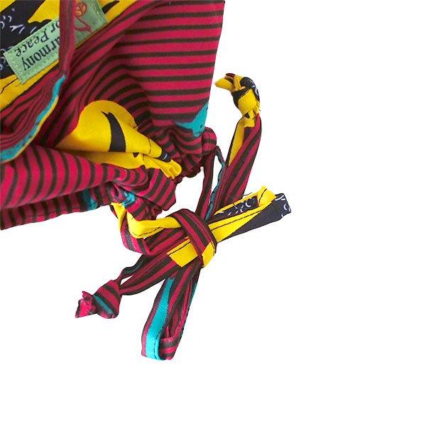 【HARMONY FOR PEACE プロジェクト】マリ 足踏みミシンで仕立てた パーニュ 巾着 エコバッグ(ツバメ レッド)【画像4】