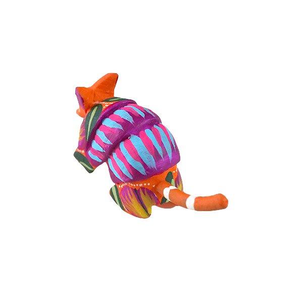 メキシコ ウッドカービング アレブリヘス (アルマジロ  オレンジ) 【画像3】