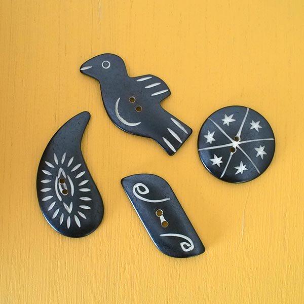 ネパール  水牛の角で作られたボタン(トリ 2.5×5)ハンドメイド 手芸【画像4】