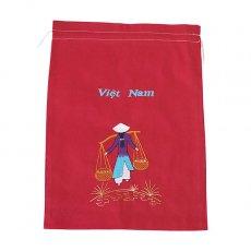 新入荷・再入荷 ベトナム 刺繍 巾着(天秤棒を担ぐ アオザイの女の子  大サイズ 37×28)