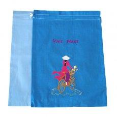 ベトナム 刺繍 巾着(自転車に花を乗せた アオザイ女性 2色 大サイズ 37×28)