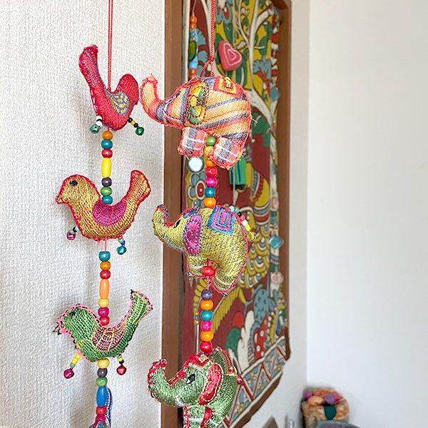 ベトナム ゾウ 刺繍 ハンギング オーナメント  鈴付き  (約90cm)【画像6】
