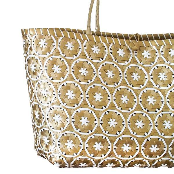 【サイズ大きめ】ベトナム プラカゴバッグ 花編み ゴールド×ホワイト (縦 30 横 50 マチ 20)【画像2】