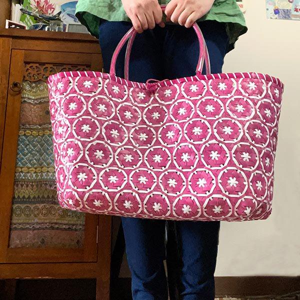 【サイズ大きめ】ベトナム プラカゴバッグ 花編み ピンク(縦 30 横 50 マチ 20)【画像6】