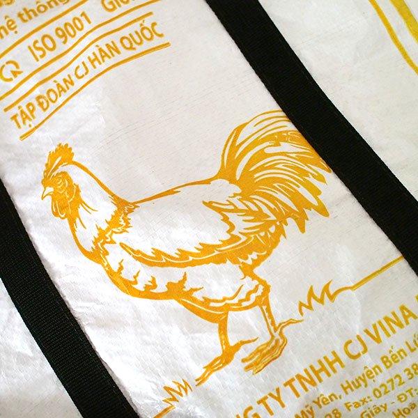 ベトナム 飼料袋 リメイク ショルダーバッグ(ビニールコーティングなし マチ付き ニワトリ A)【画像3】
