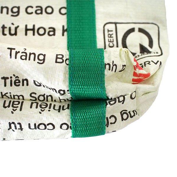 ベトナム 飼料袋 リメイク ショルダーバッグ(ビニールコーティングなし マチ付き ブタ 持ち手 グリーン)【画像4】