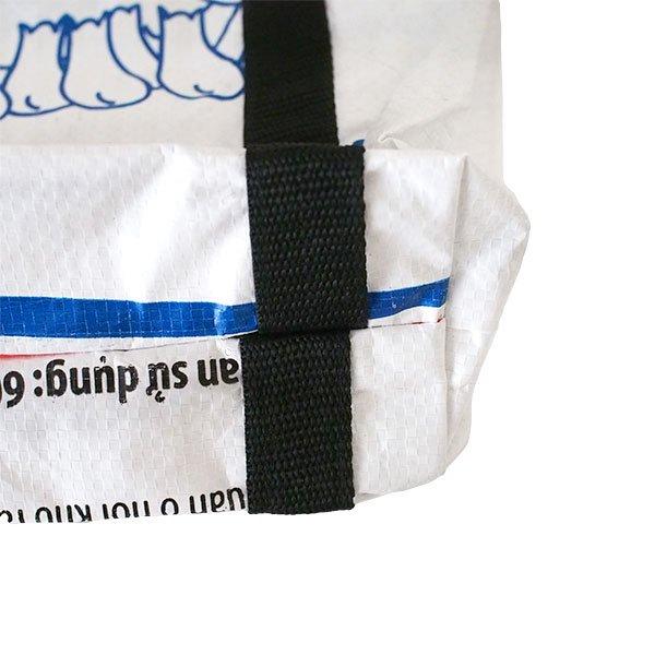 ベトナム 飼料袋 リメイク ショルダーバッグ(ビニールコーティングなし マチ付き ブタ B)【画像4】
