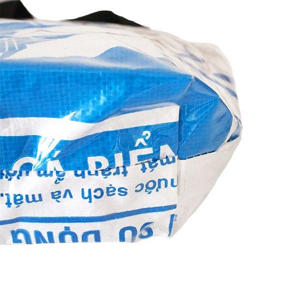 ベトナム 飼料袋 リメイク バッグ(肩掛けOK マチ付き 魚 ブルー)【画像5】