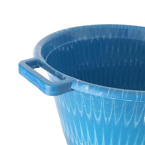 セネガル プラスチック持ち手付きの桶(ブルー×ホワイト  12リットル)【画像3】