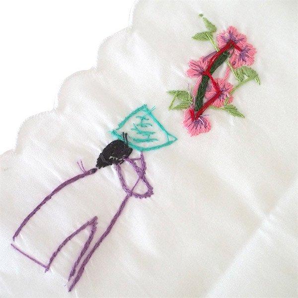 ベトナム 手刺繍 ハンカチ(アオザイの女の子と花)【画像6】