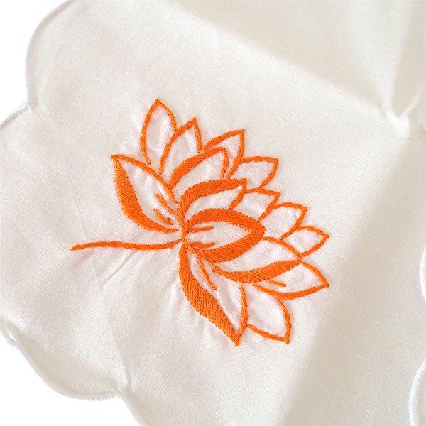 ベトナム 手刺繍 ハンカチ(蓮 ロータス)【画像3】