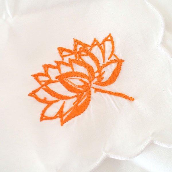 ベトナム 手刺繍 ハンカチ(蓮 ロータス)【画像4】
