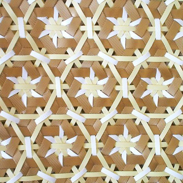 【サイズ大きめ】ベトナム プラカゴバッグ 花編み ゴールド×ホワイト (縦 30 横 50 マチ 20)【画像3】