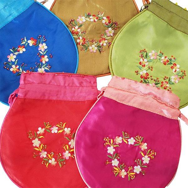 ベトナム 花刺繍 巾着 (ビーズ付き 5色 )【画像2】