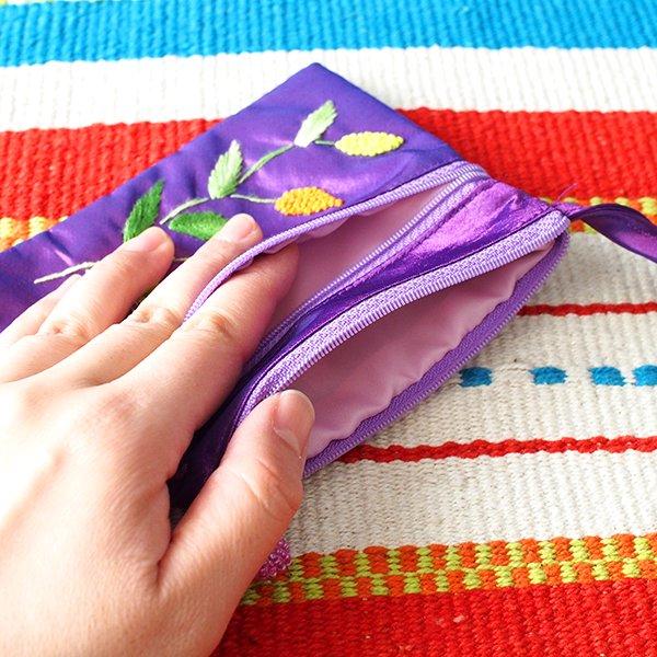 ベトナム刺繍 シルクポーチ(葉っぱ ビーズ付き)【画像5】