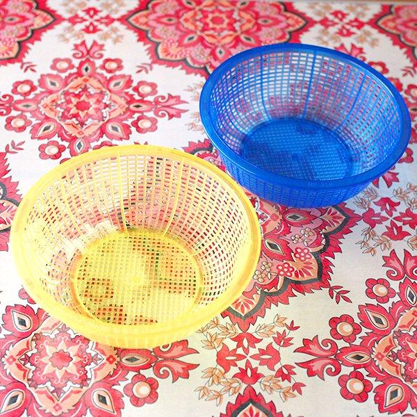 ベトナム プラスチックカラフルなミニザル5色セット【画像2】