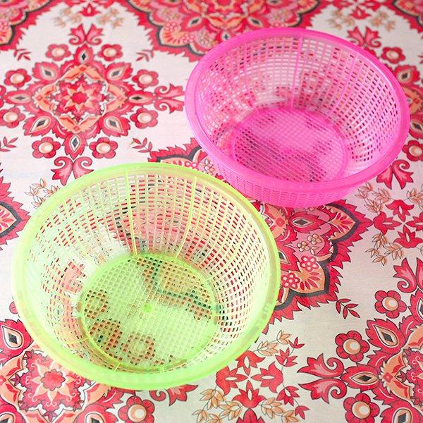 ベトナム プラスチックカラフルなミニザル5色セット【画像3】