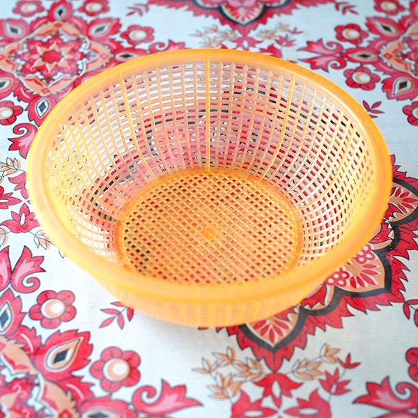 ベトナム プラスチックカラフルなミニザル5色セット【画像4】
