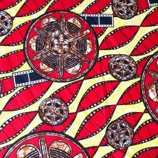 ユニークな柄 アフリカン プリント布 パーニュ 115×90 カットオフ(フィルム柄)
