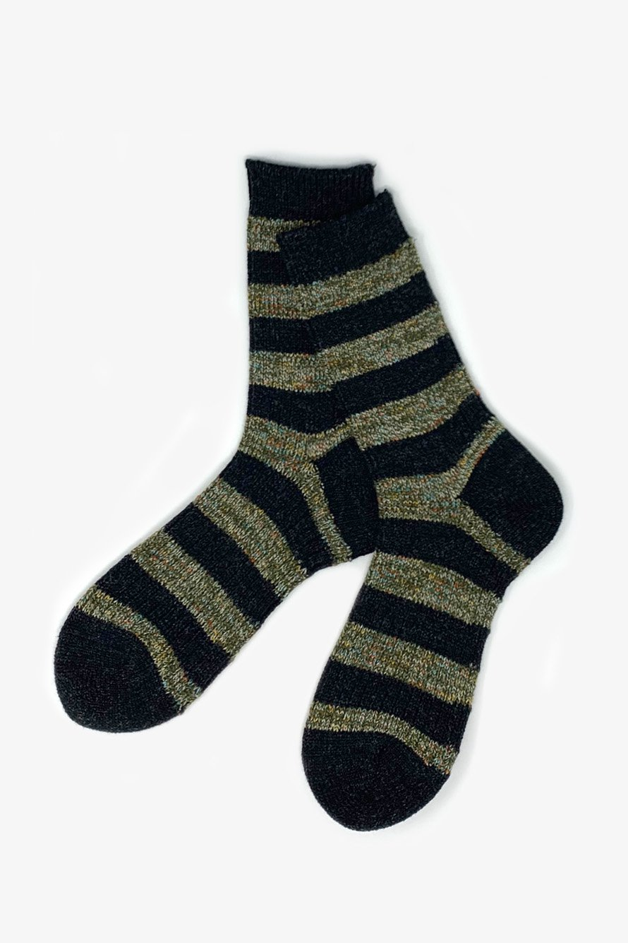 TMSO-115 【Garden Fence Hemp Socks】 BLACK×OLIVE(ブラック×オリーブ)