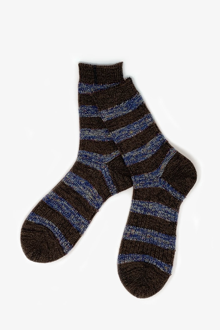 <img class='new_mark_img1' src='https://img.shop-pro.jp/img/new/icons14.gif' style='border:none;display:inline;margin:0px;padding:0px;width:auto;' />TMSO-115 【Garden Fence Hemp Socks】 BROWN×NAVY(ブラウン×ネイビー)