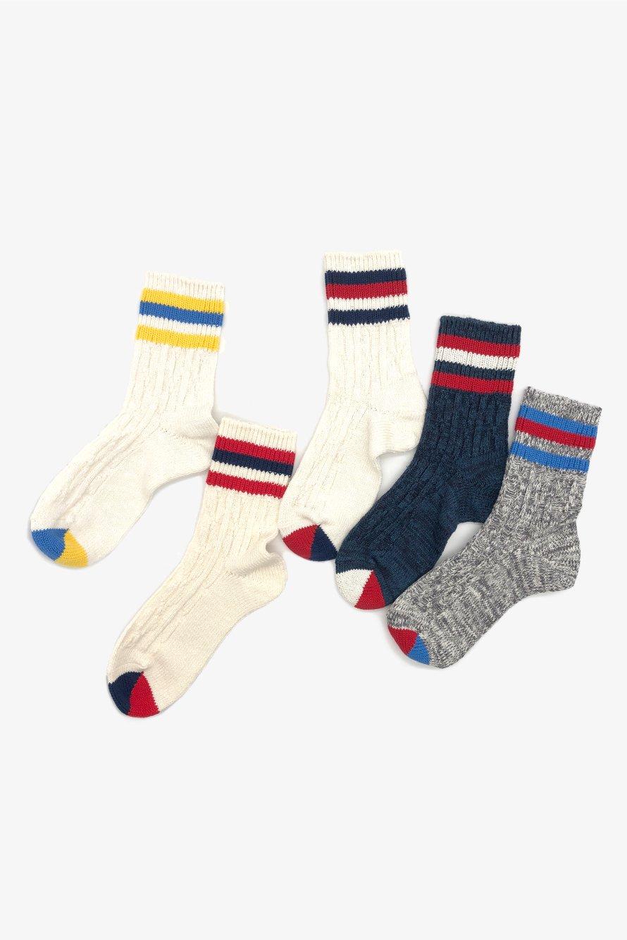 TMSO-124【Cable knitting 3line Hemp socks】