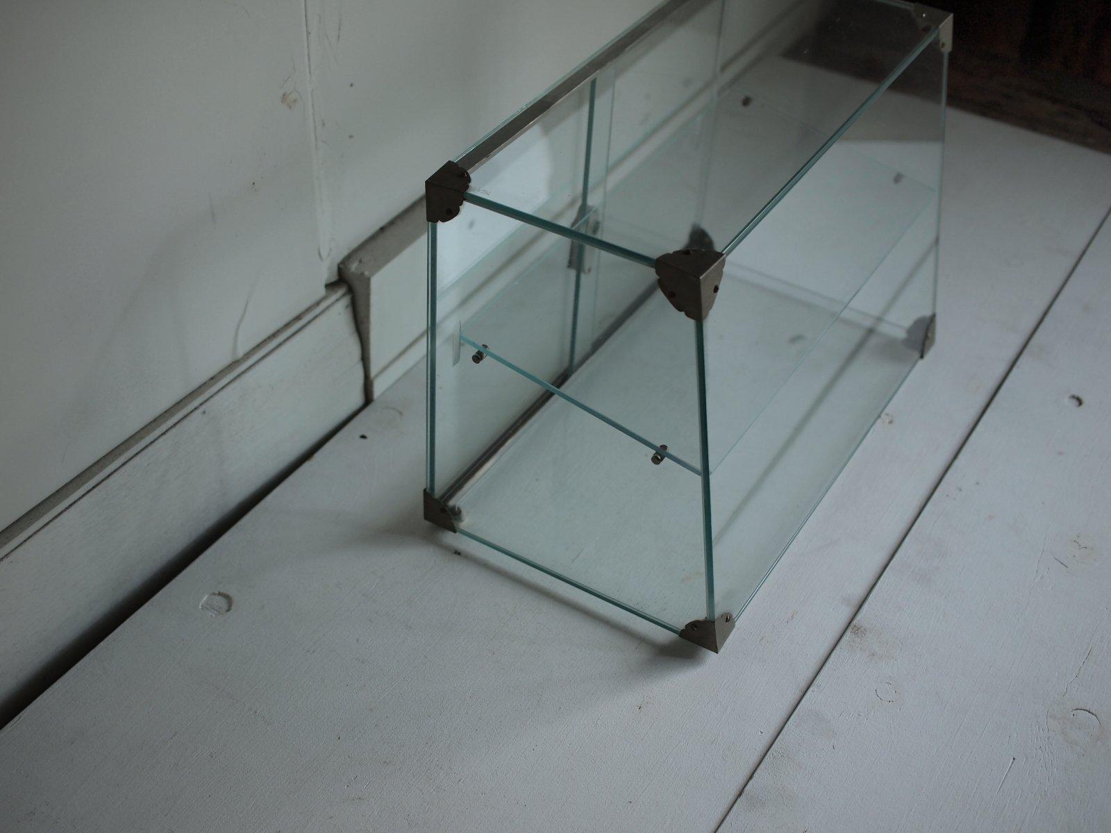 ガラスケース
