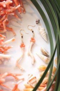 K18 枝珊瑚桃珊瑚ロングピアス
